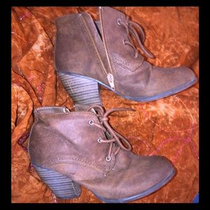 Size 6 ladies Ankle Boot